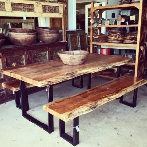 Z005_Nadeau_Industrial_Dining_Table_dining-table-bench_Nadeau-Furniture-Store