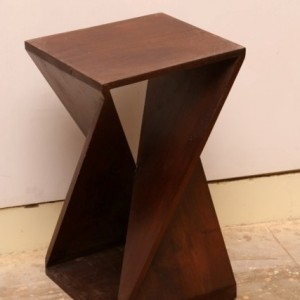 M719_Twist_Side_Table_Side-Table_Nadeau-Furniture-Store