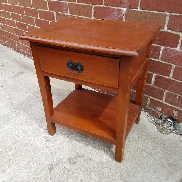 Contemporary Nightstand With Shelf