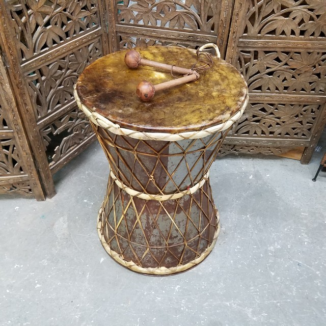 Drum Table Nadeau Charlotte