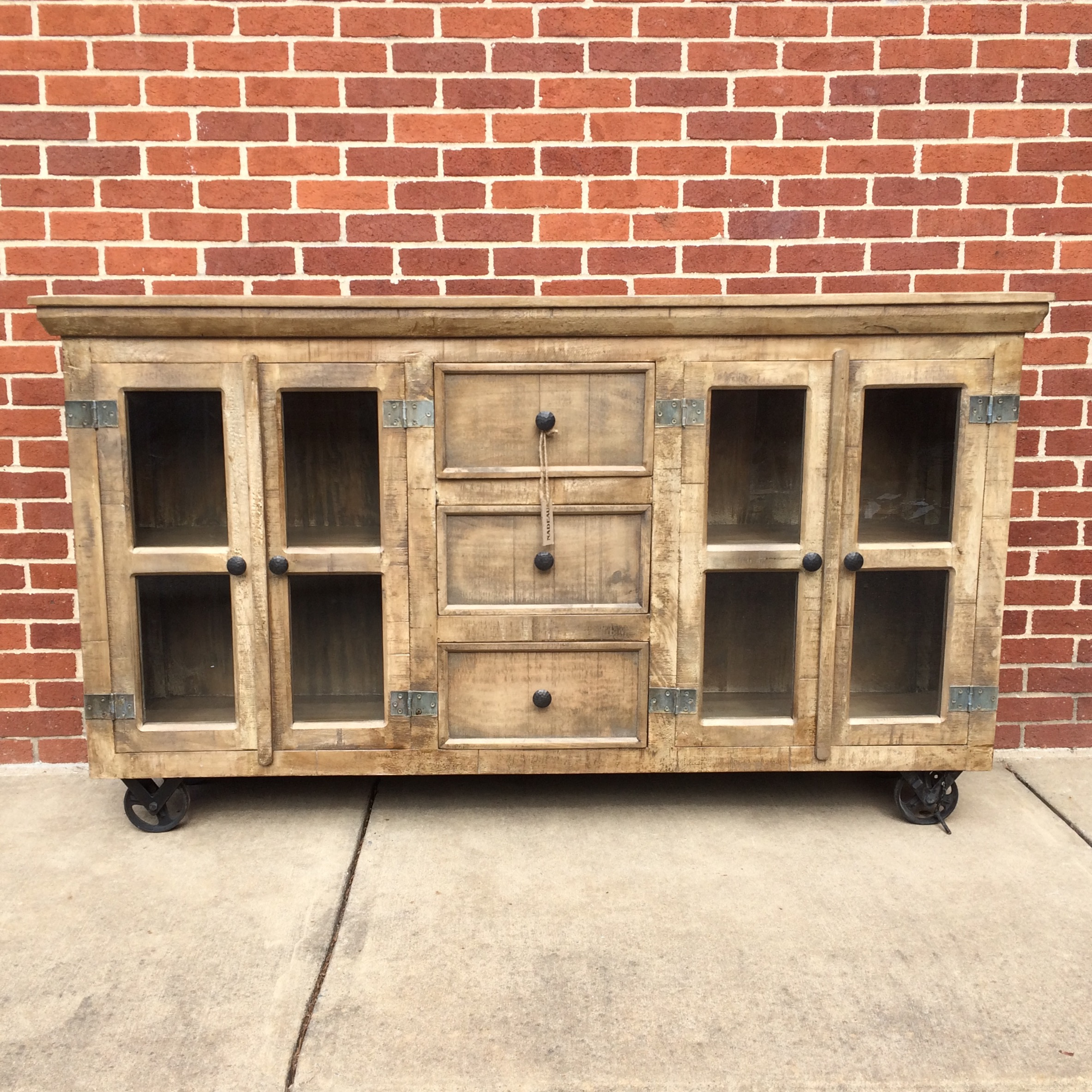 Industrial Buffet With Glass Doors And Metal Accents Nadeau Dallas # Buffet Metal Rouge