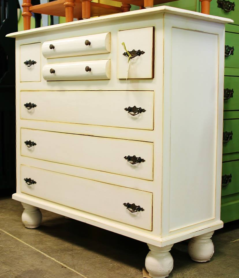 Dresser With Rounded Drawers Nadeau Dallas