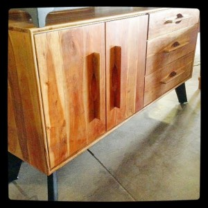 HW7016-Console-TV-Stand