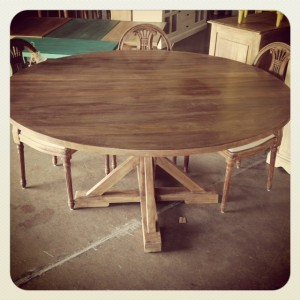 KA513 Round 59inch Dining Table