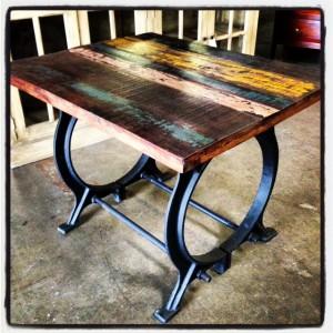 NN249 Iron Table