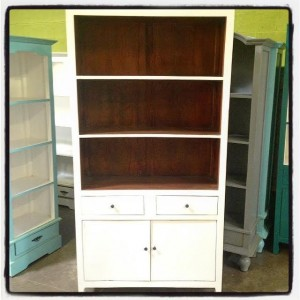 YD144129-Bookcase