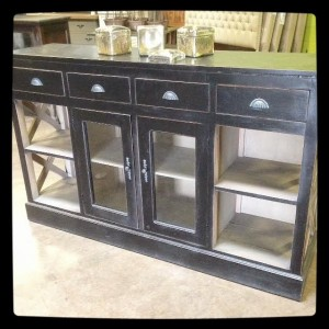 YD3397 Black Glass Buffet
