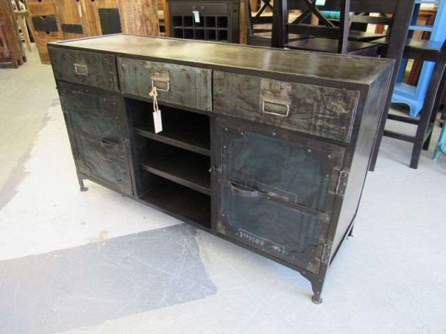 Reclaimed Metal Buffet Nadeau Houston : AVR123 640 from www.furniturewithasoul.com size 640 x 480 jpeg 76kB