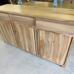 MAN#13 M265 doors don't close drawers stained for a different piece (640)