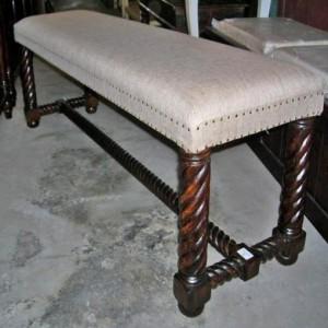 HW004-bench-274