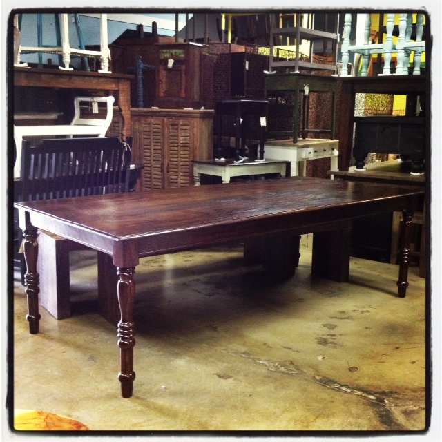 Indies dining table nadeau nashville for Dining table nashville tn