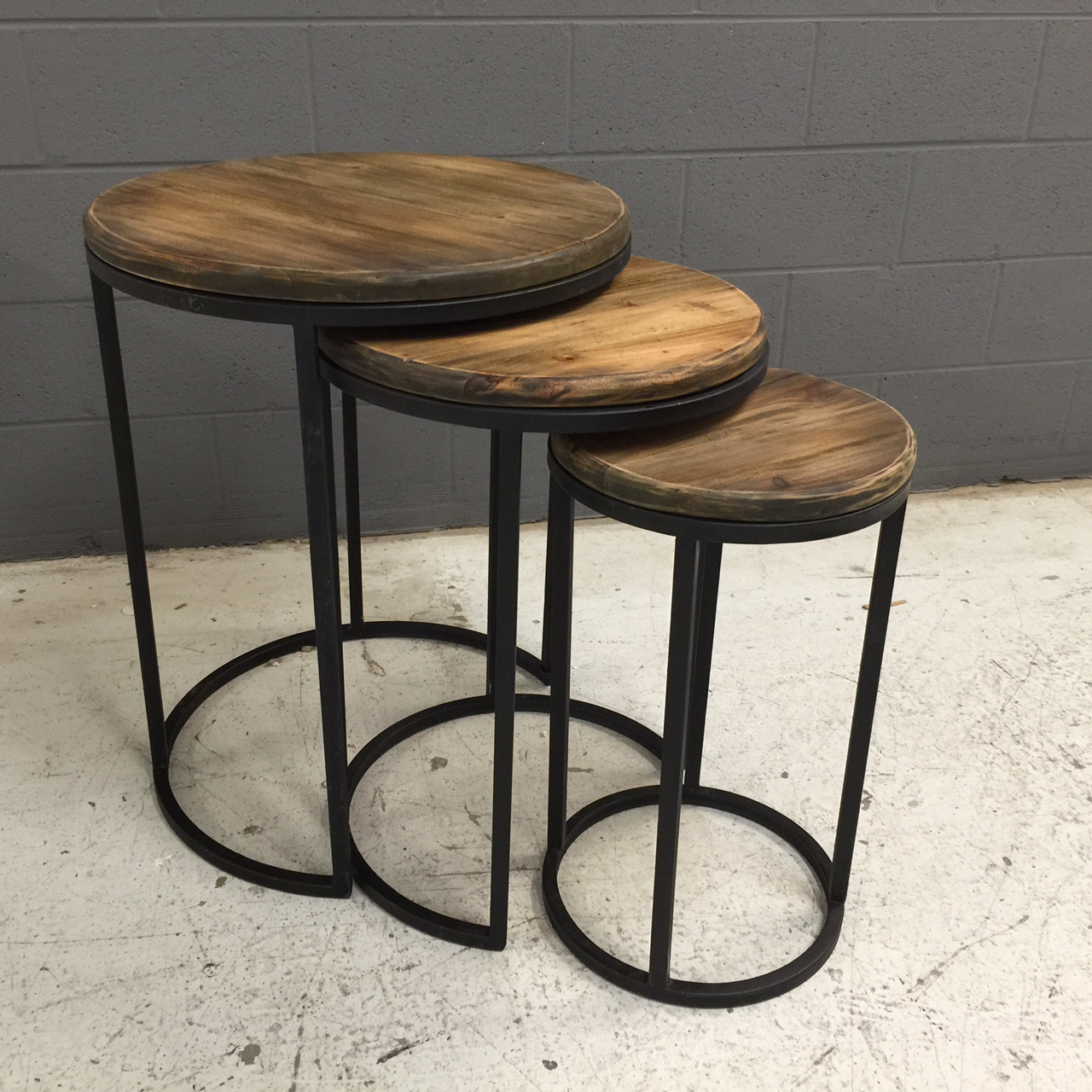 Urban Round Nesting Table