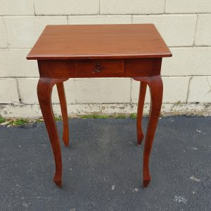 t055c-106-queen-anne-side-table-2