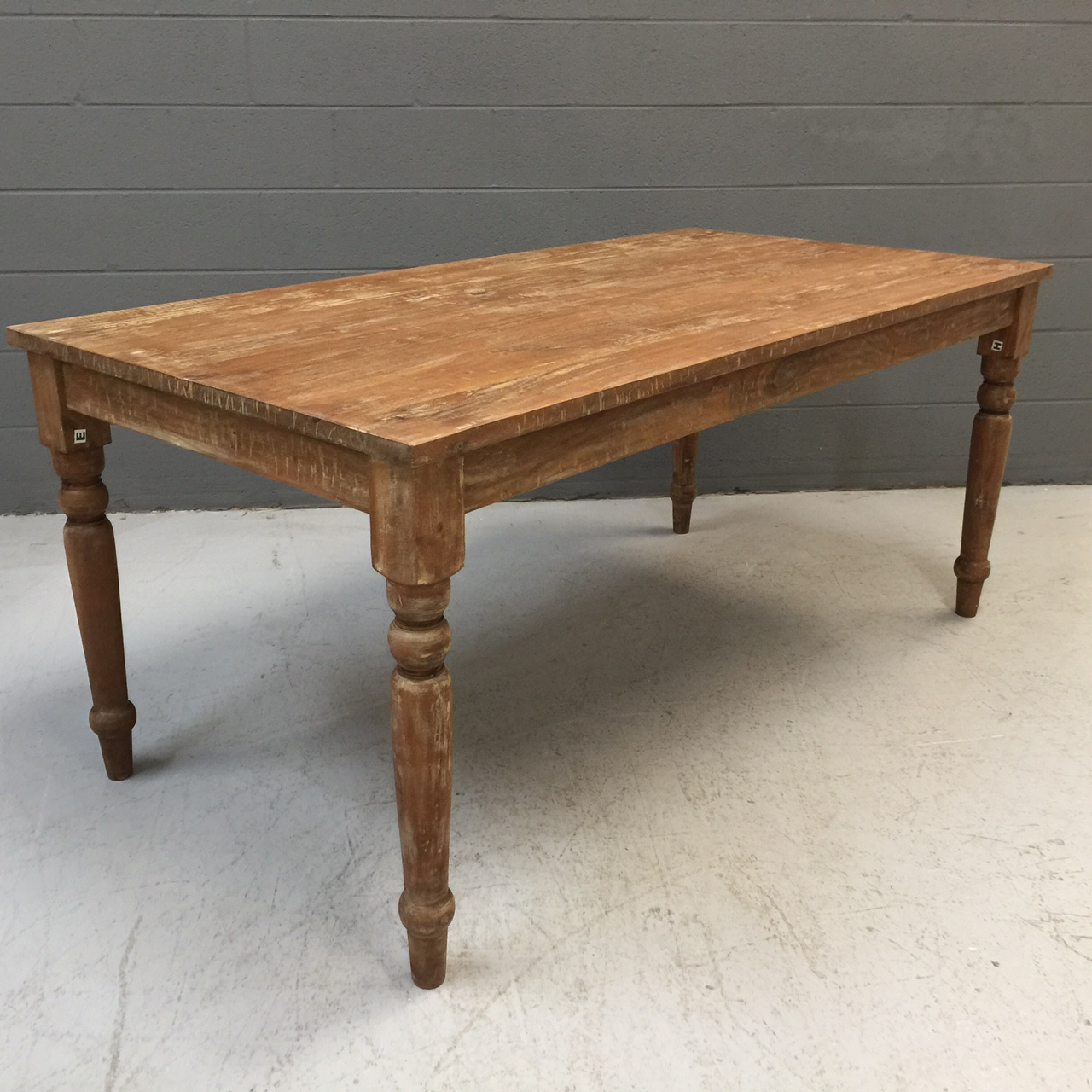 Farm dining table nadeau nashville for Dining table nashville tn