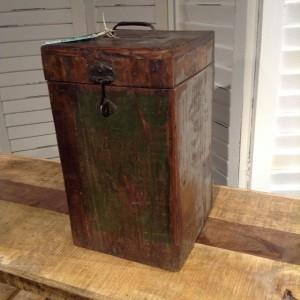 SU517 BOX $41
