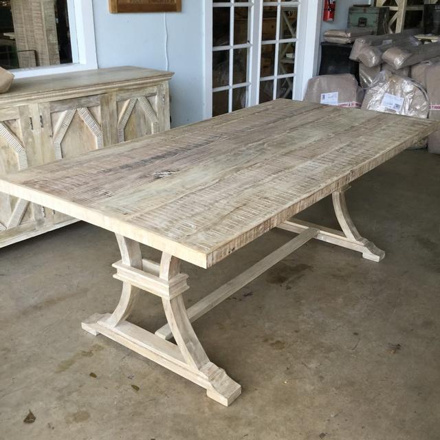 82u2033 Dining Table