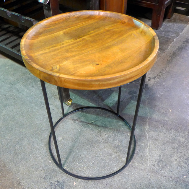 ab5014205bf21 Round Side Table - Nadeau Chicago