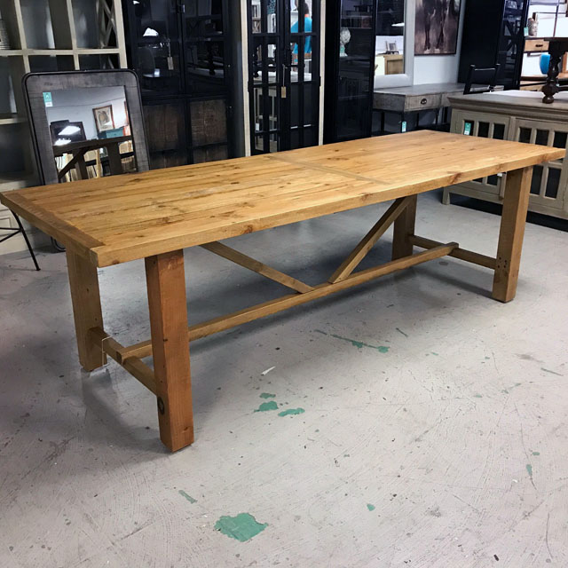 Ordinaire Vintage Dining Table
