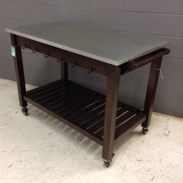 Kitchen Table And Chairs With Casters: Kitchen Table On Wheels